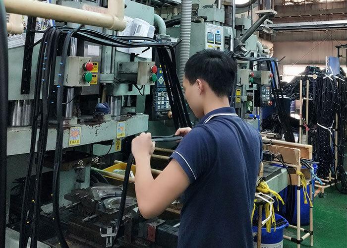 YUHDAK'ın Rüzgar Şeridi Makineleri Japon Otomobil Pazarına Giriyor